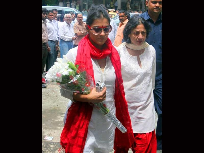 Actress Kajol and her mother Tanuja arrive to pay their condolences.