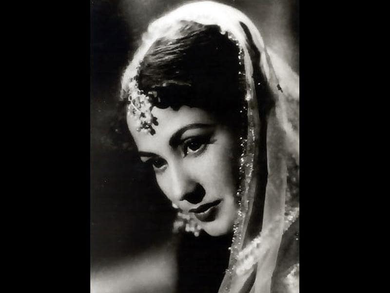 Meena Kumari is one of the most prominent actors to have appeared on the screens of Hindi cinema.