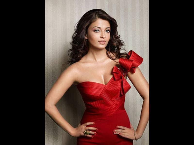 Aishwarya Rai Bachchan is a big name globally and one of the world's prettiest and sexiest ladies.