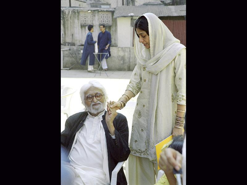 MF Husain also shared a great bond with Tabu. The actor starred in MF Husain's movie Meenakshi: A Tale of Two Cities.