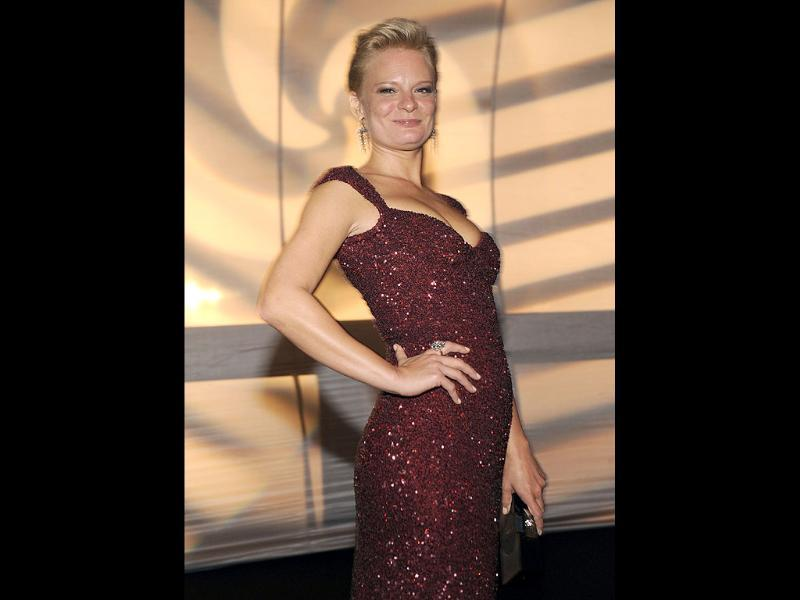 Martha Plimpton poses pretty at the 63rd Primetime Emmy Awards Governors Ball on Sunday. (AP)