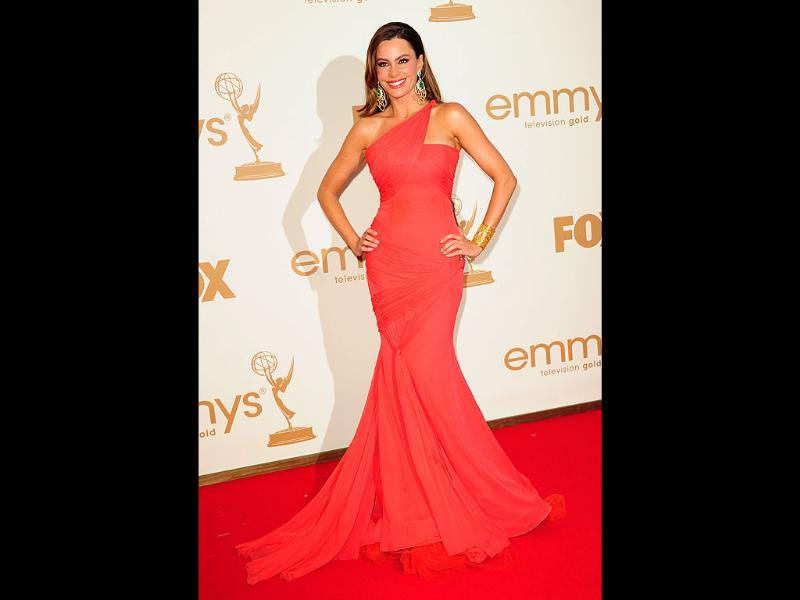 Actor Sofia Vergara looks gorgeous in red. (AFP)