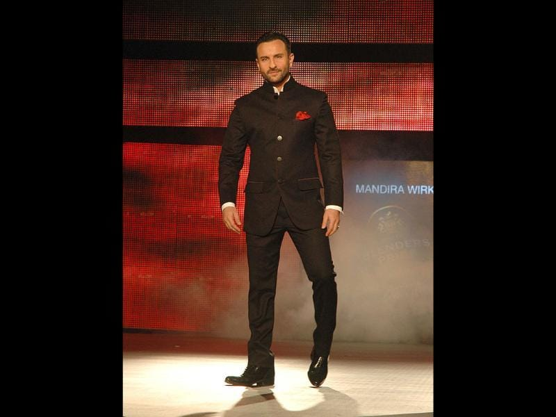 Saif made a style statement in a designer Black bandhgala. UNI PHOTO