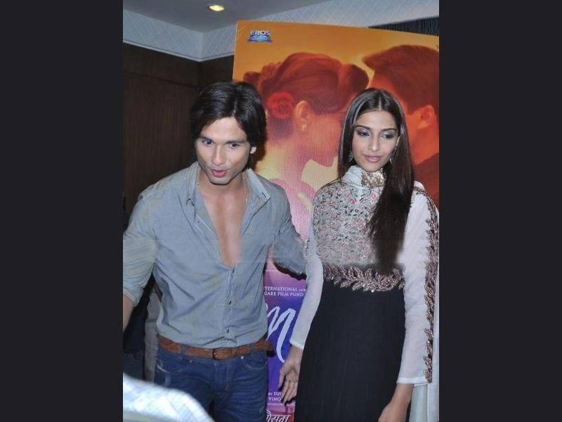 Mausam actors at promotional tour in Indore.