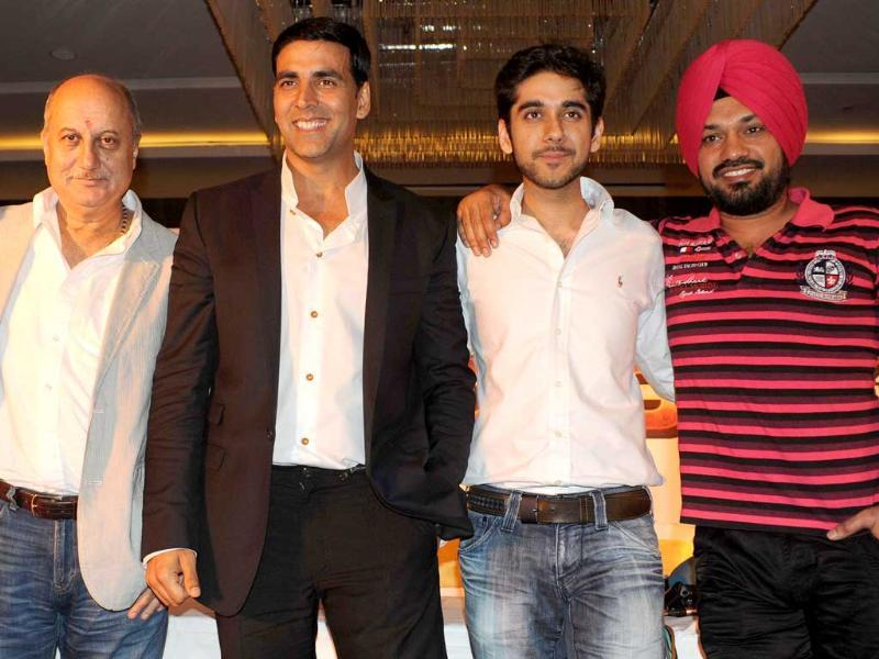 A series of tweets about Akshay Kumar's Indo-Canadian venture Speedy Singhs by a TV channel had offended the actor's fans but Akshay Kumar has clarified that it has not been done by the makers of the movie and apologised for the same.