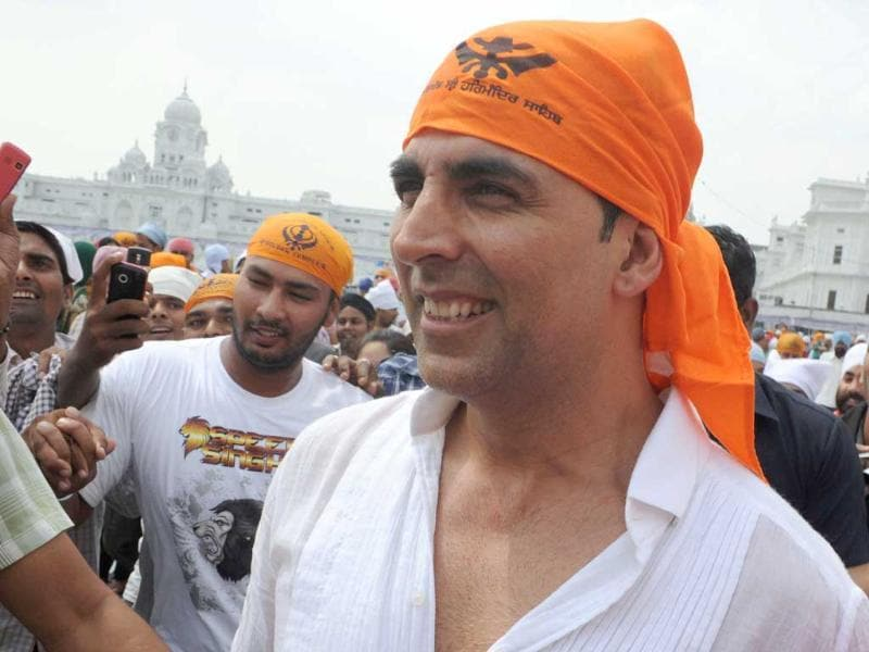 Akshay Kumar at Golden Temple shrine in Amritsar.