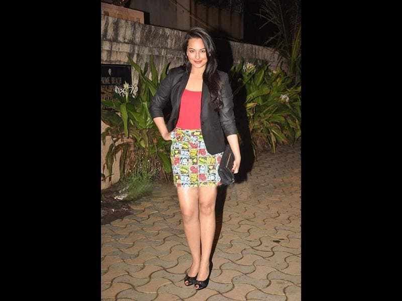 Sonakshi Sinha looks good in a mini skirt with a short black blazer. Though we aren't too sure about that skirt.