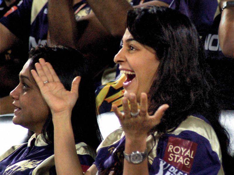 Juhi is clearly delighted with the team's performance.
