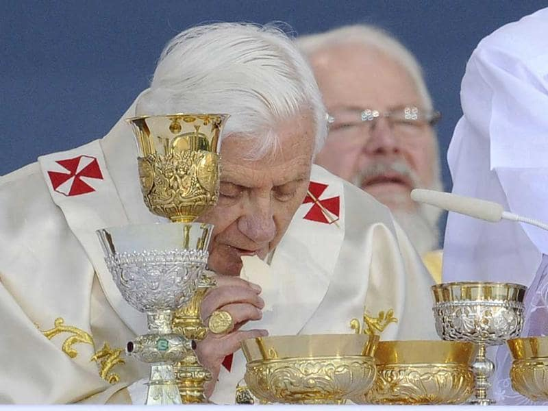 Pope Benedict XVI celebrates the Last Supper during a mass in front of the Cathedral in Erfurt, eastern Germany, on the third day of the Pontiff's first state visit to his native Germany.