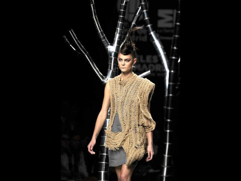 Eco-friendly! Jute and natural fabrics reign at the Madrid fashion week.