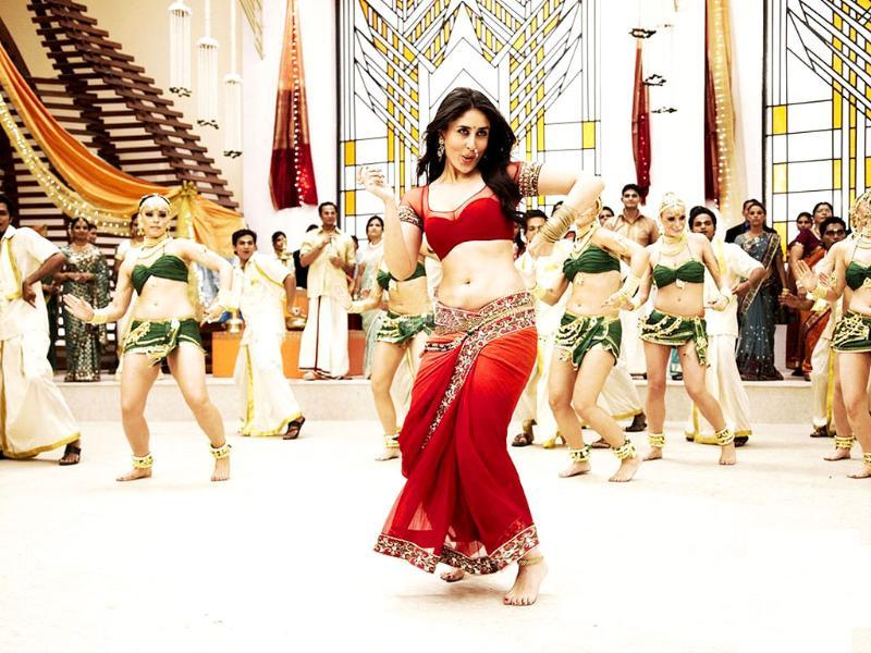 Kareena looks absolutely stunning in a red choli.