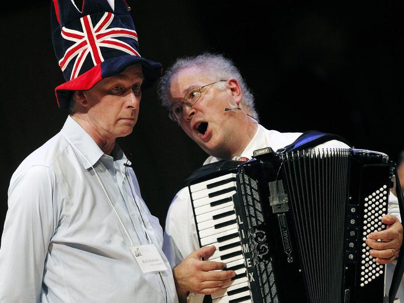 Nobel Laureate Rich Roberts (Medicine 1993), left, performs a song with Dr. Thomas Michel during the 21st annual Ig Nobel Awards ceremony at Harvard University in Cambridge.