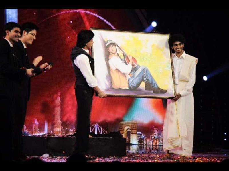 SRK with his painting.
