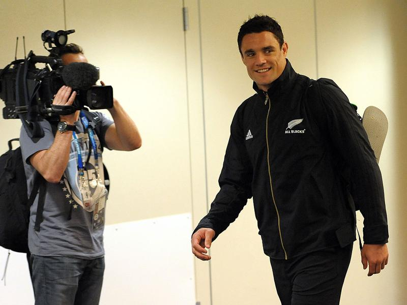 New Zealand's All Blacks fly-half Dan Carter arrives at the hotel in Auckland during the 2011 Rugby World Cup.