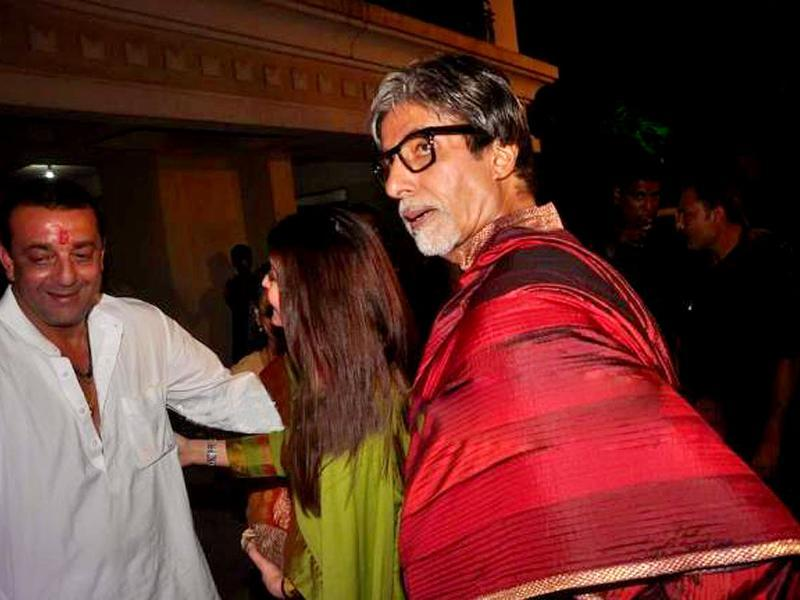 Actor Amitabh Bachchan arrives at Sanjay Dutt's party with family.