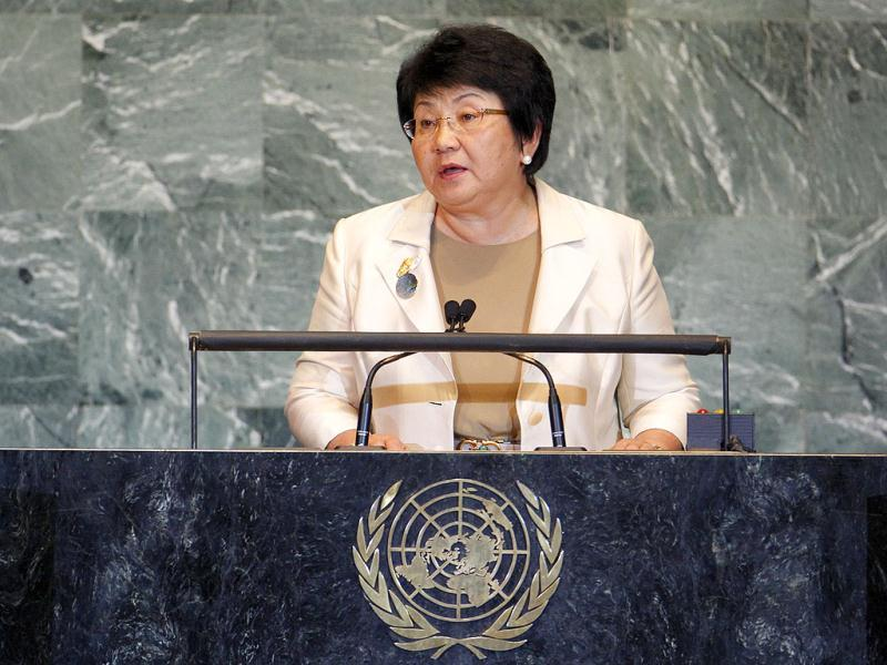 Kyrgyzstan President Roza Otunbayeva has been nominated by the Islamic Human Rights Commission for the Nobel Peace Prize.