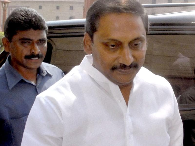 Andhra Pradesh chief minister N Kiran Kumar Reddy leaves after a meeting over Telangana issue at North Block in New Delhi.