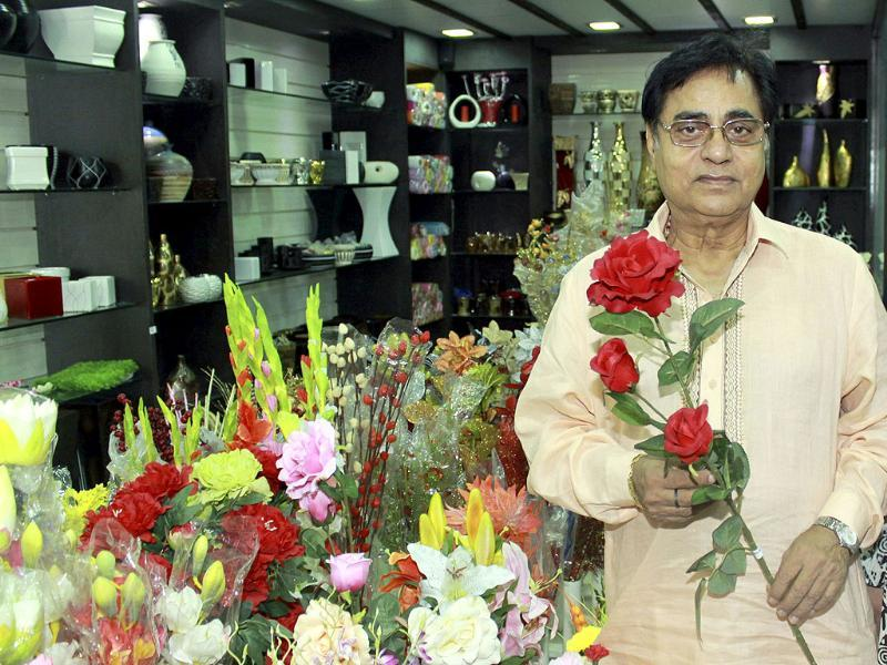 File photograph of Ghazal singer Jagjit Singh who passed away on October 10, 2011 at Leelavati Hospital in Mumbai after he after he suffered brain haemorrhage. A Padma Bhushan recipient, 70-year-old Singh was admitted to the hospital on September 23 and was in ICU since then.
