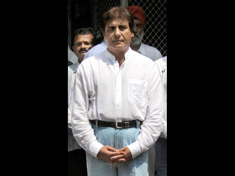 Raj Babbar arrives at the grim occasion.