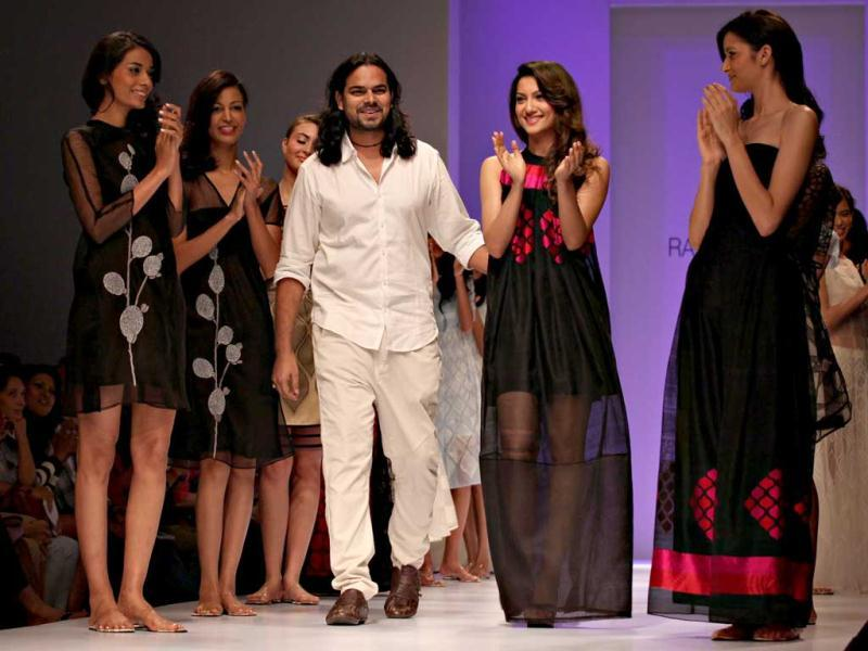 Rahul Mishra and Gauhar Khan close the show with aplomb.