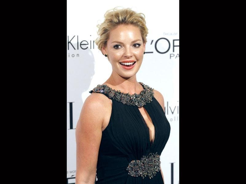 Katherine Heigl looks radiant in a sequinned LBD. (AP)