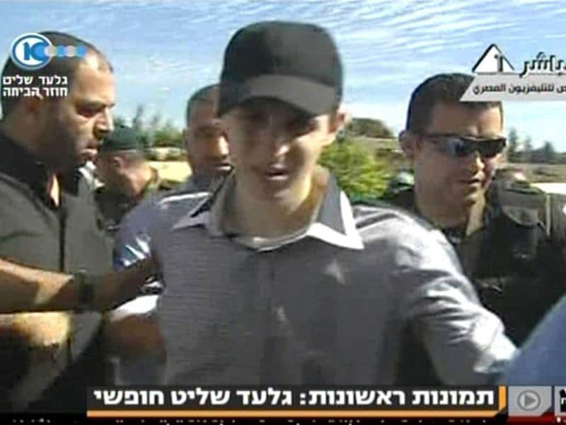 Gilad Shalit (C) is seen in this video grab from Israel's Channel 10 accessed from Egypt TV.