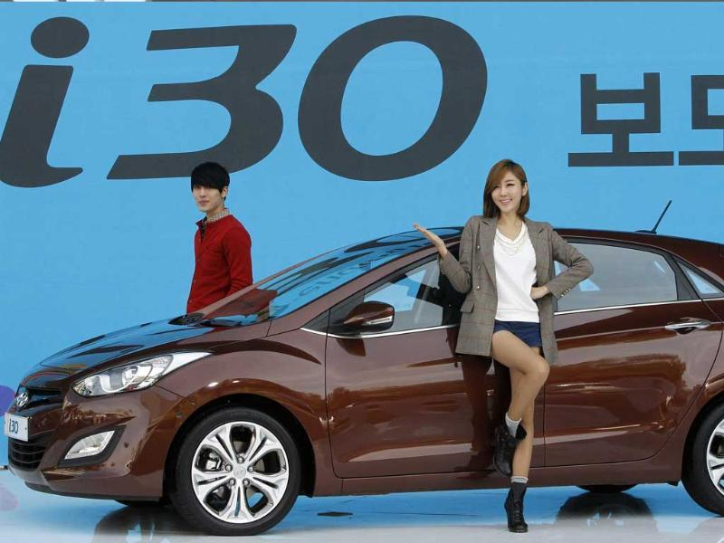 i30 hatchback is priced from 18.45 million won ($16,200) to 22.05 million won in South Korea, depending on accessories and engine type.