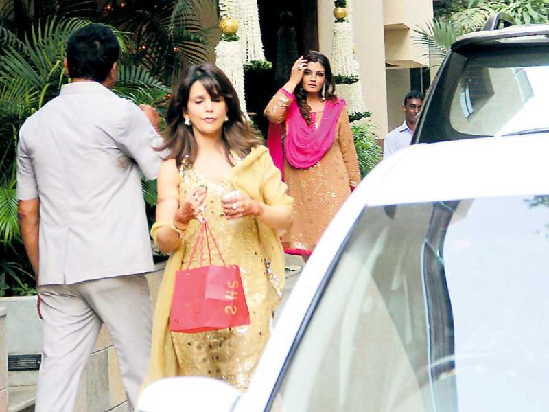 Raveena Tandon looks elegant in a salwar kurta at Aishwarya Rai's baby shower.