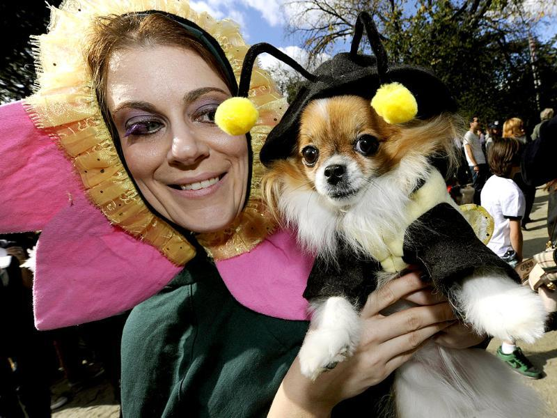 SarahPolgee and kiki during the 21st Annual Tompkins Square Halloween Dog Parade in New York. (AFP Photo)