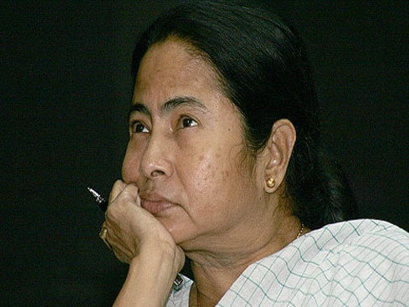 Infant deaths: Mamata passes the buck on health secretary