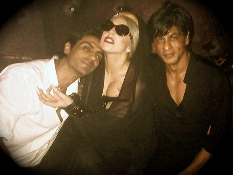 Pop star Lady Gaga gets cosy with Arjun Rampal and SRK and has tweeted: