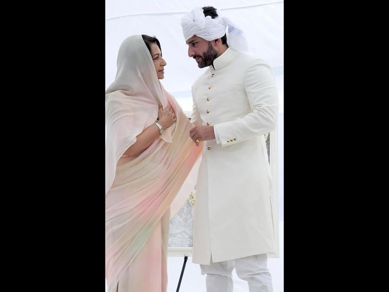 Saif Ali Khan speaks with mother Sharmila Tagore. The ceremony saw people of nearby villages thronging the Pataudi palace.