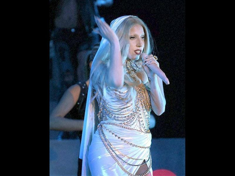 The sensational Lady Gaga turned heads with her 'mic' during her performance in India.