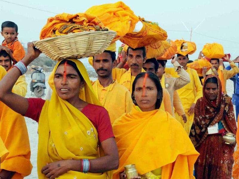 Women devotees perform Chhath puja in Haridwar