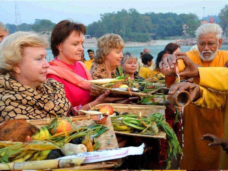 Russian devotees perform Chhath puja in Haridwar