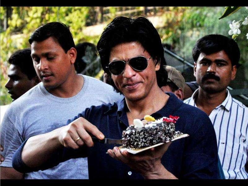 SRK cuts yet another cake.