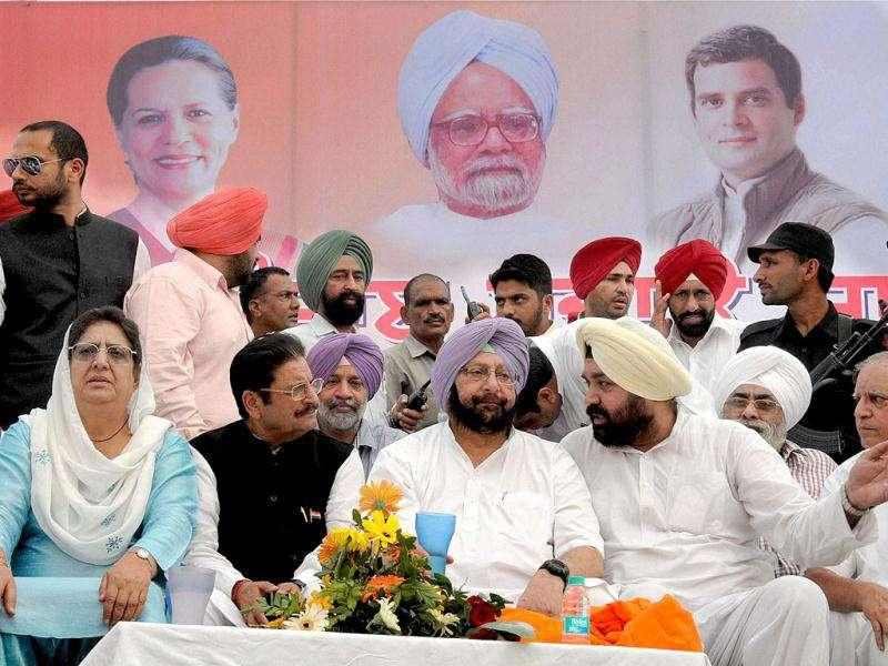 "Punjab Congress President Capt. Amrinder Singh, Rajinder Kaur Bhattal and other Senior leaders during the ""Punjab Bachao Yatra"" in Amritsar."