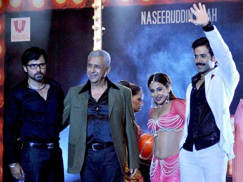 Vidya Balan flanked by Emraan Hashmi (extreme left), Naseeruddin Shah (left), and Tusshar Kapoor (right).