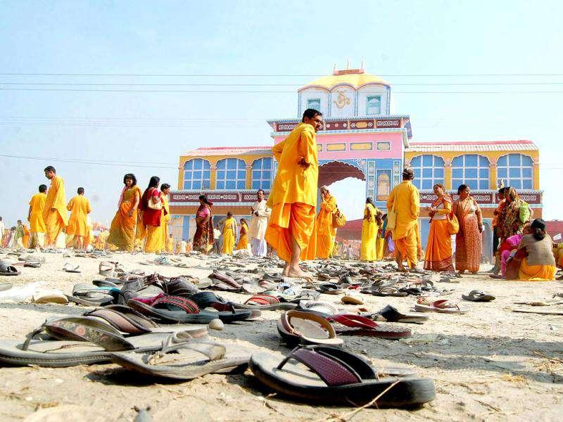 A glimpse of the site of stampede on the banks of the Ganges River at Shantikunj Haridwar.