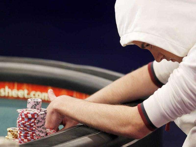 Pius Heinz, of Germany, competes at the final table of the World Series of Poker in Las Vegas. (AP Photo/Isaac Brekken)