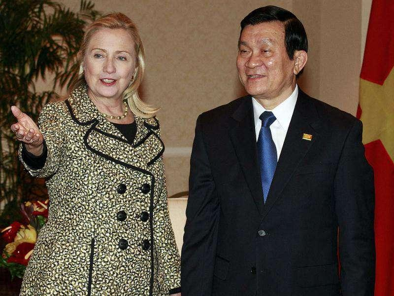 U.S. Secretary of State Hillary Rodham Clinton meets with Vietnamese President Truong Tan Sang during the APEC Summit in Honolulu. AP