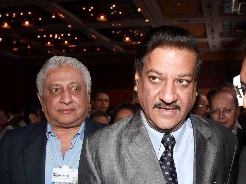 Ajit Gulabchand, Chairman HCC (Hindustan Construction Company) and Prithviraj Chavan, chief minister of Maharashtra state at the plenary session at the India Economic Summit in Mumbai.