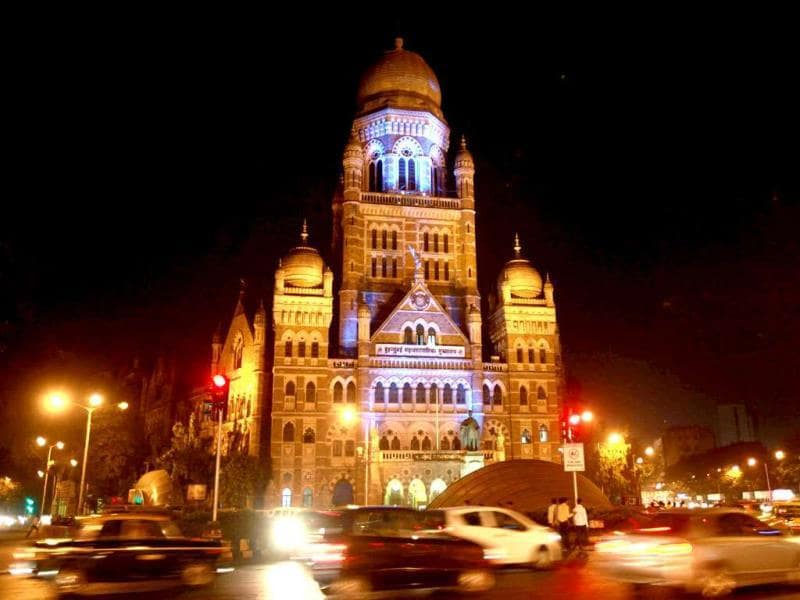 Mumbai's BMC building illuminated with blue light to observe Abbott Diabetes Blue Fortnight 2011. Places like the BMC building, KEM Hospital, Nair Hospital, Siddhi Vinayak Temple and Abbott office building were lit up in blue as part of a unique initiative for diabetes awareness on the eve of World Diabetes Day. HT photo by Hemant Padalkar.