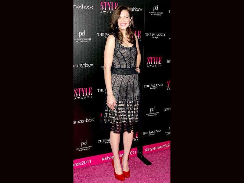Actor Mandy Moore made an impression in bright red platform pumps at the 2011 Hollywood Style Awards.