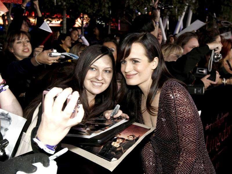 Elizabeth Reaser arrives at the world premiere of The Twilight Saga: Breaking Dawn - Part 1. (AP Photo/Matt Sayles)