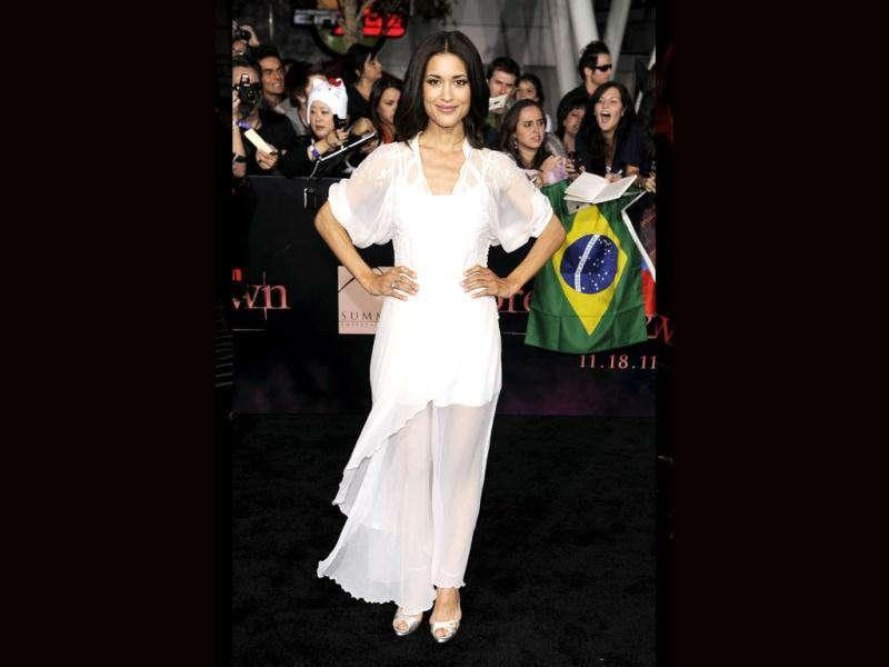 Julia Jones arrives at the world premiere of The Twilight Saga: Breaking Dawn - Part 1. (AP Photo/Chris Pizzello)