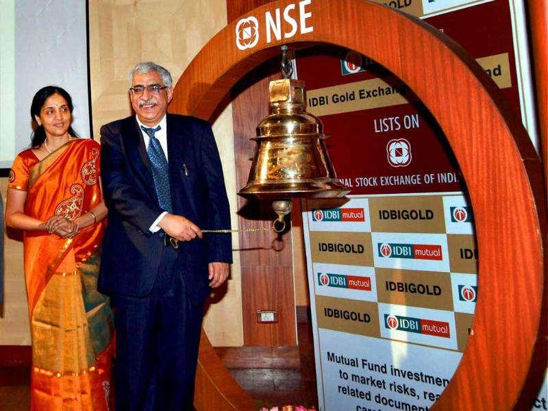 IDBI Bank CMD R M Malla ringing the bell during the listing of IDBI Gold Exchange Traded Fund at NSE in Mumbai.
