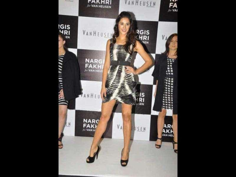 Seen here in a short black and white dress, Fakhri definitely looks like a supermodel.