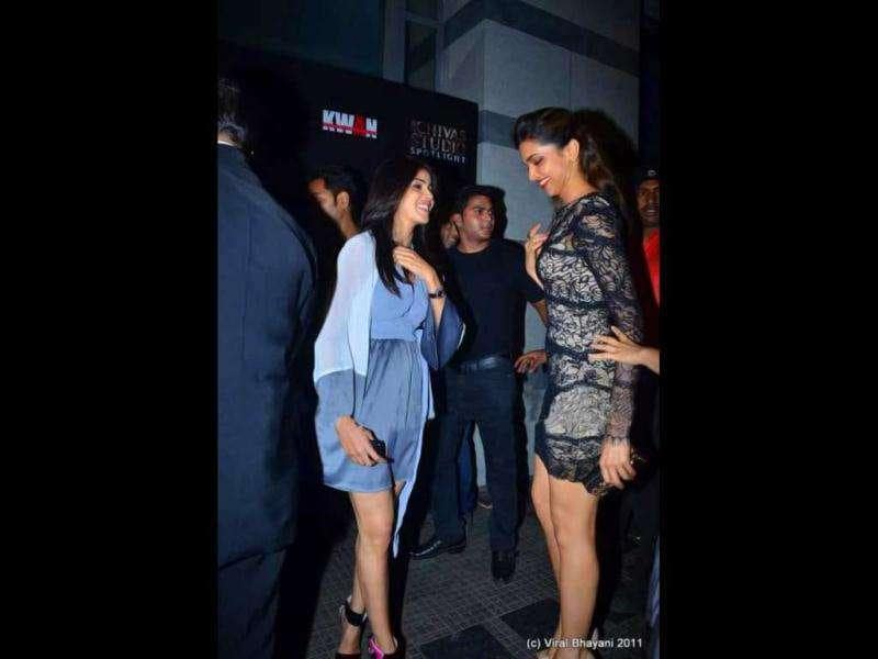 Genelia in conversation with Deepika.