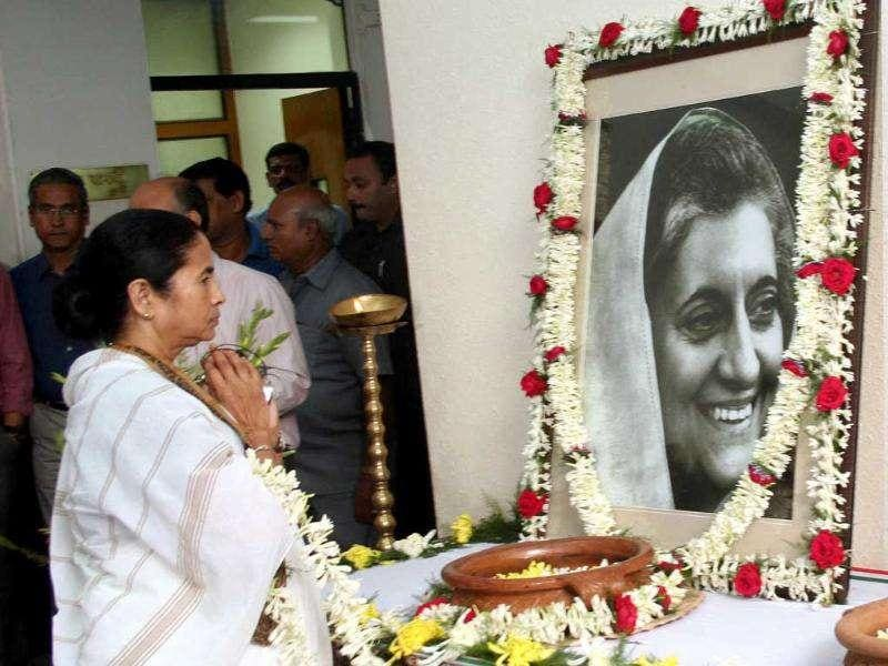 West Bengal chief minister Mamata Banerjee paying floral tribute to former prime minister Indira Gandhi on her 94th birth anniversary at Writers Buildings in Kolkata.